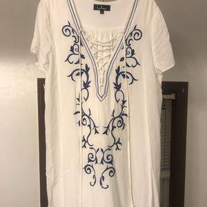 Lulu's Dresses - Lulu's White lace up dress